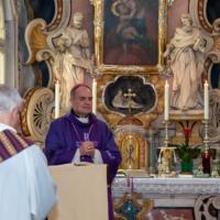 Vescovo Ivo per tutti i defunti su RsF